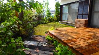 茅ヶ崎市N様邸の植栽工事と造園外構工事の写真です。ウッドデッキの写真です。